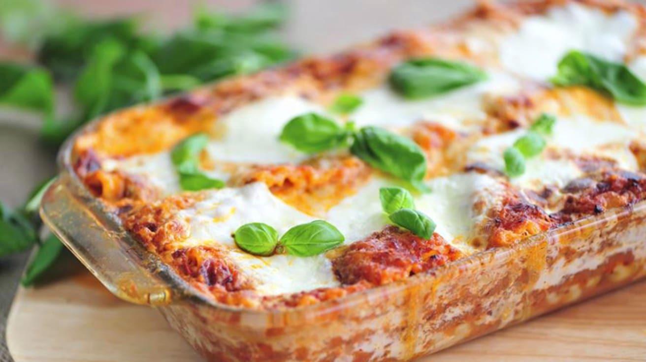 Bacon-cheese lasagne