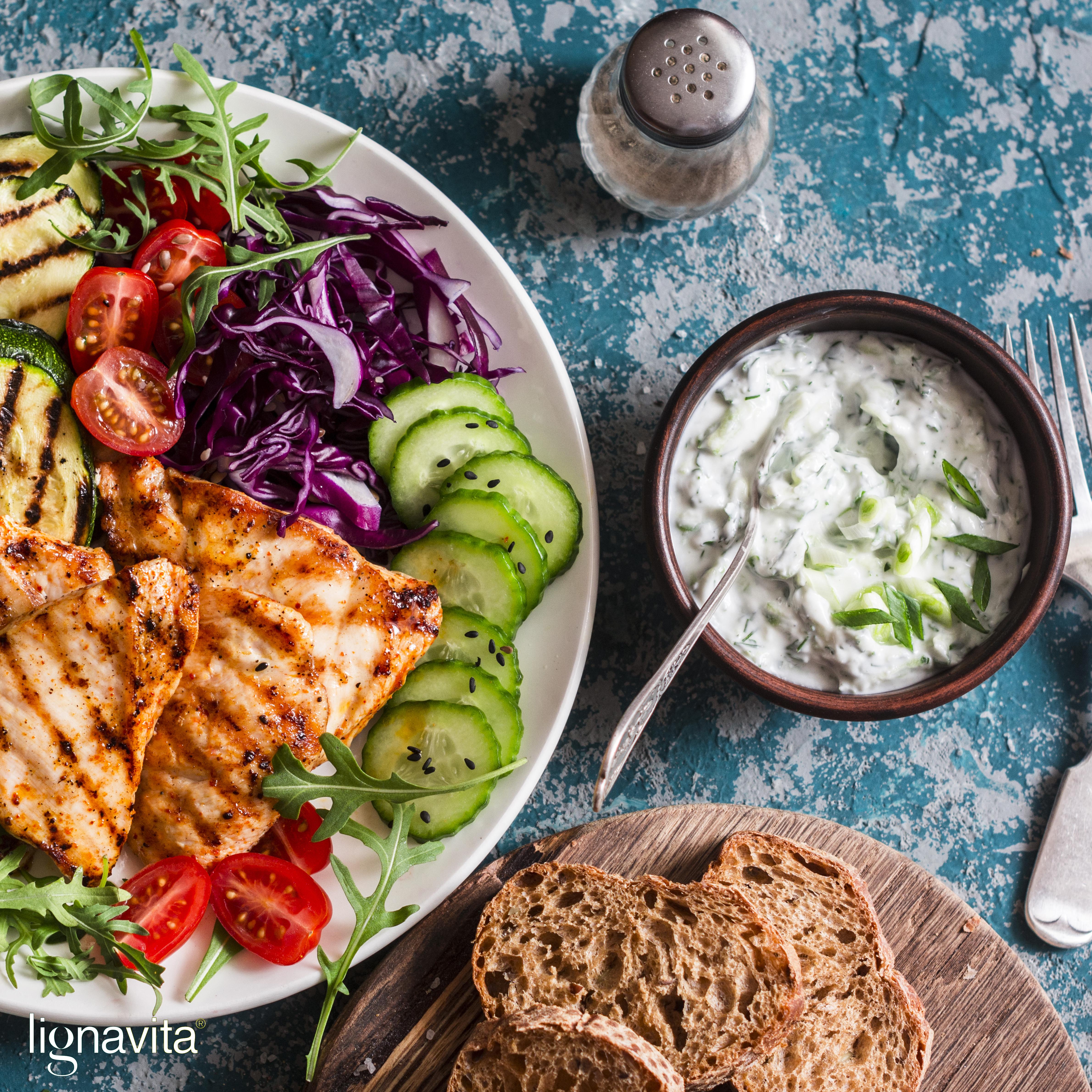 Salade gegrilde groenten en kip